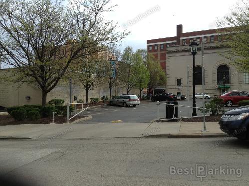 UPMC Presbyterian Parking - Find Parking near UPMC Presbyterian